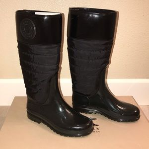 Burberry rain boots with insulation